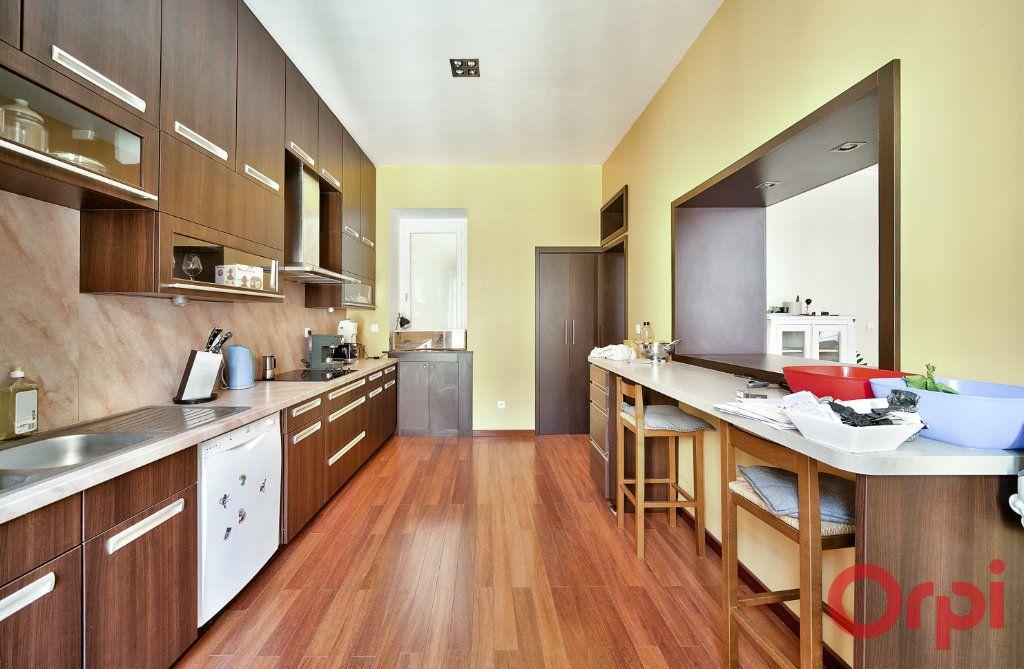 Appartement à vendre 4 136m2 à Mâcon vignette-4