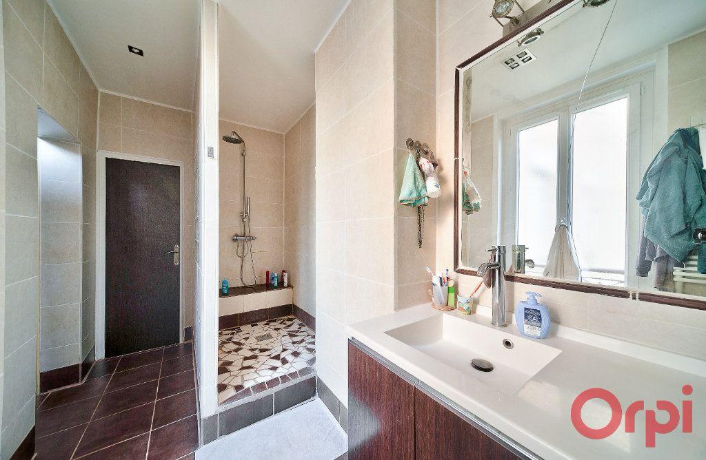 Appartement à vendre 4 136m2 à Mâcon vignette-6