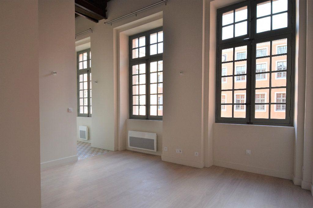 Appartement à louer 1 27.69m2 à Mâcon vignette-1
