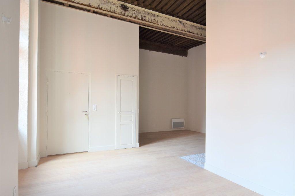 Appartement à louer 3 77.15m2 à Mâcon vignette-4