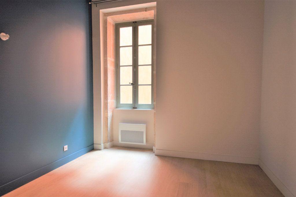 Appartement à louer 3 77.15m2 à Mâcon vignette-7