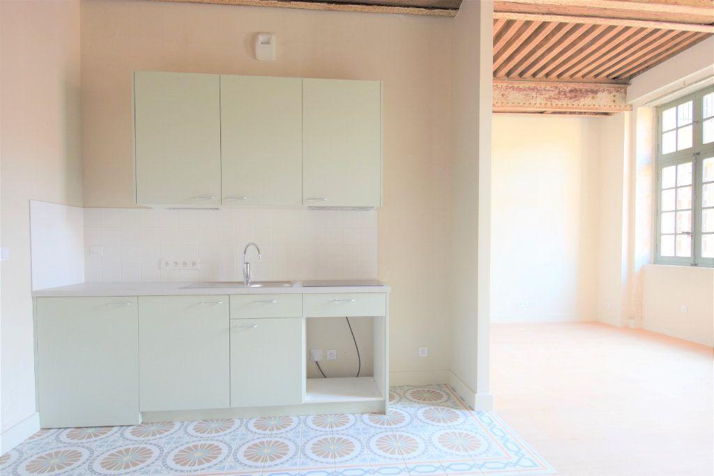Appartement à louer 3 76.67m2 à Mâcon vignette-4