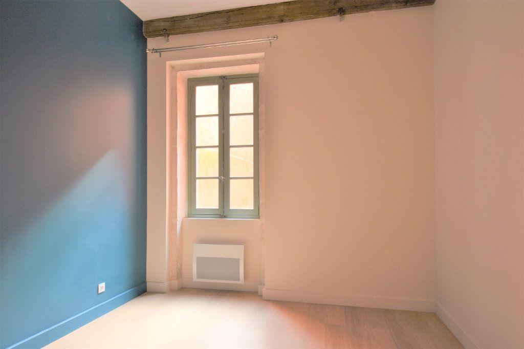 Appartement à louer 3 76.67m2 à Mâcon vignette-7