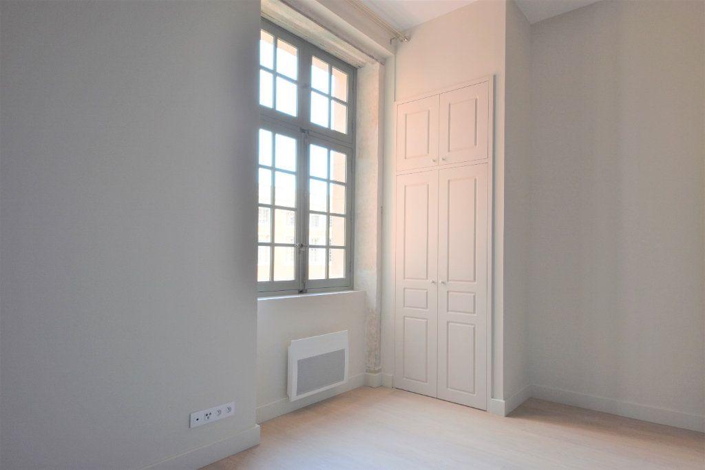 Appartement à louer 3 76.67m2 à Mâcon vignette-8