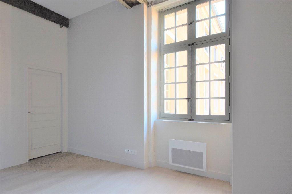 Appartement à louer 3 76.67m2 à Mâcon vignette-9