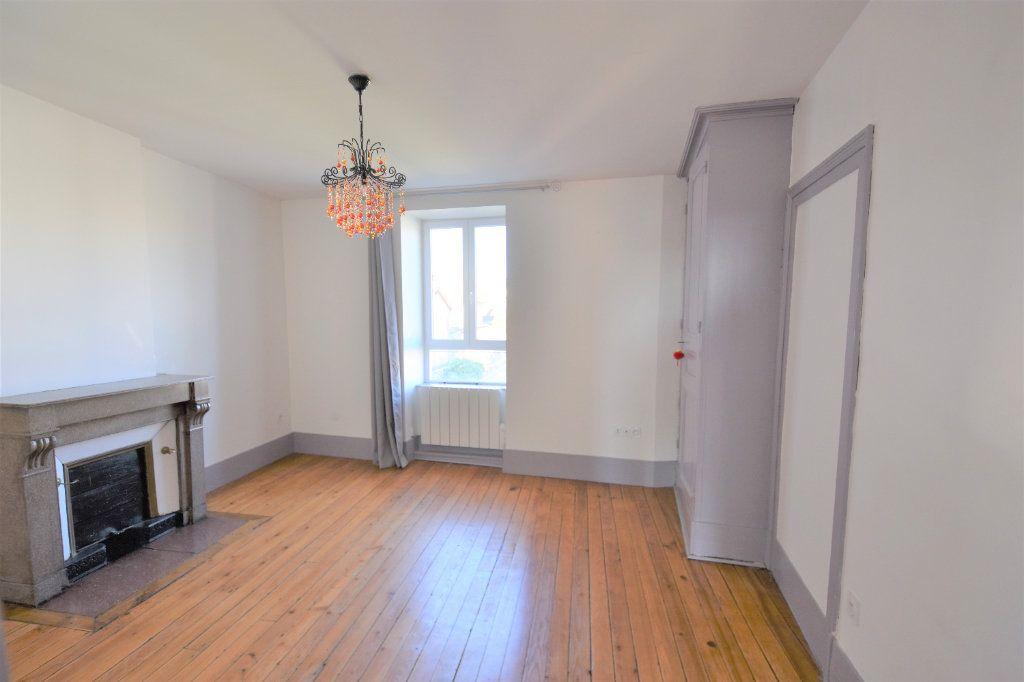 Appartement à louer 3 88.51m2 à Mâcon vignette-6