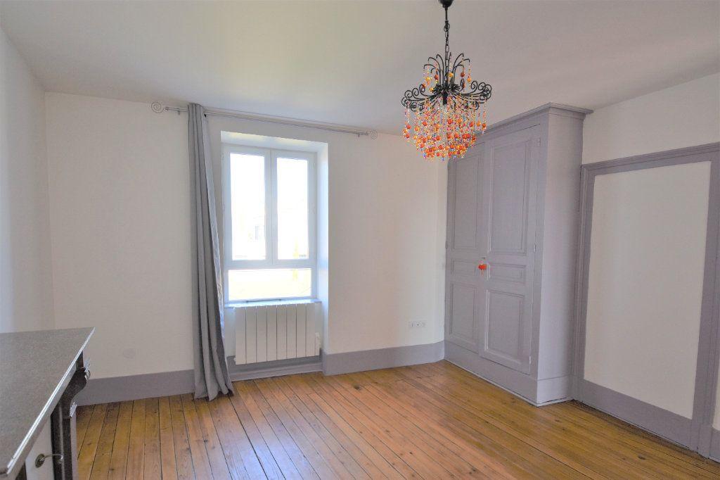 Appartement à louer 3 88.51m2 à Mâcon vignette-7