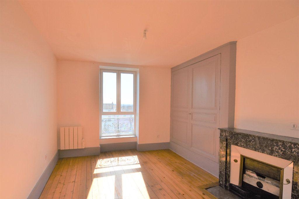 Appartement à louer 3 88.51m2 à Mâcon vignette-8