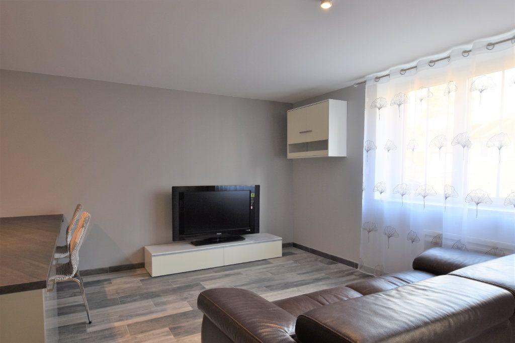 Appartement à louer 2 49.07m2 à Mâcon vignette-4