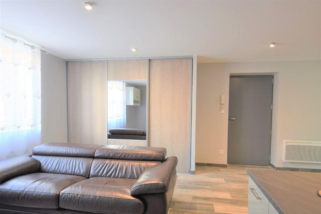 Appartement à louer 2 49.07m2 à Mâcon vignette-5