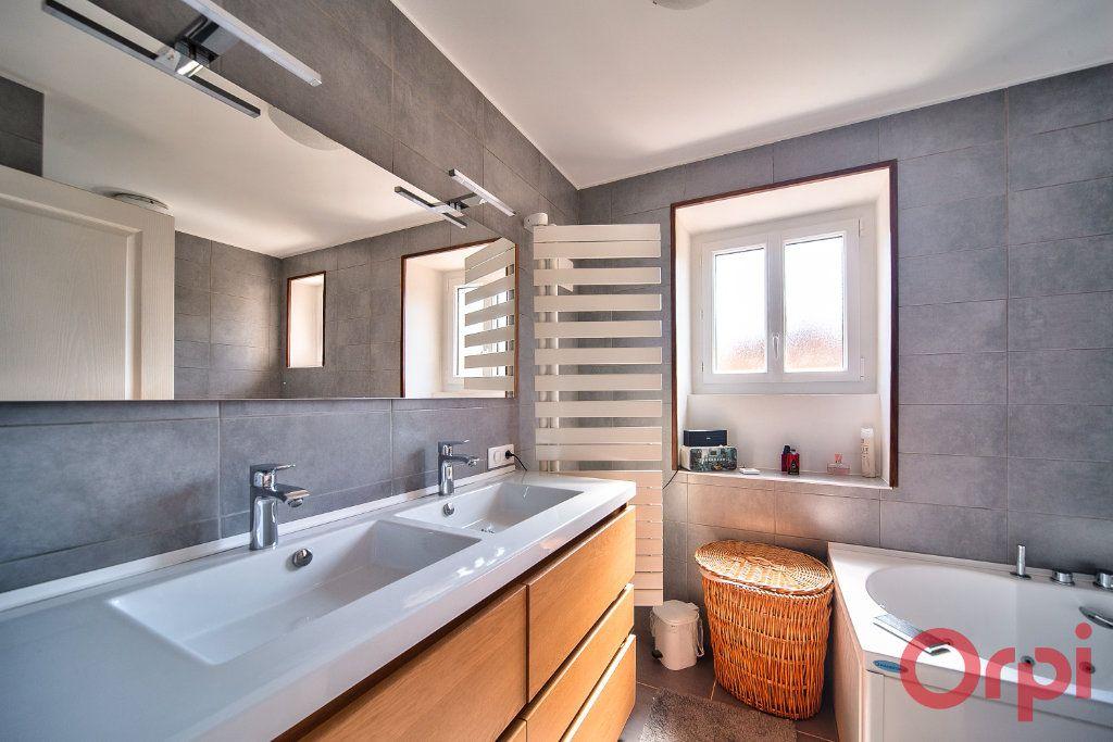Maison à vendre 6 148.45m2 à Saint-Bénigne vignette-8