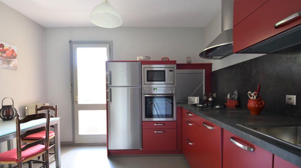 Appartement à vendre 4 97m2 à Mâcon vignette-3