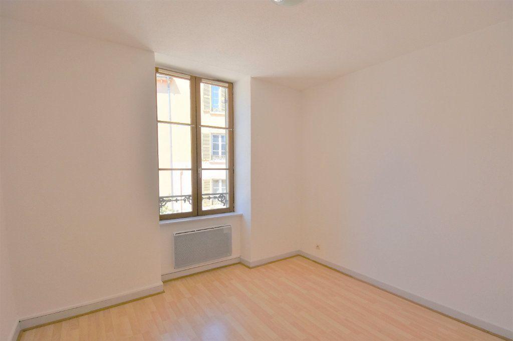 Appartement à louer 3 57.36m2 à Mâcon vignette-5
