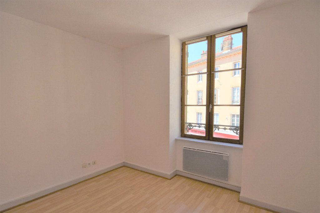 Appartement à louer 3 57.36m2 à Mâcon vignette-7
