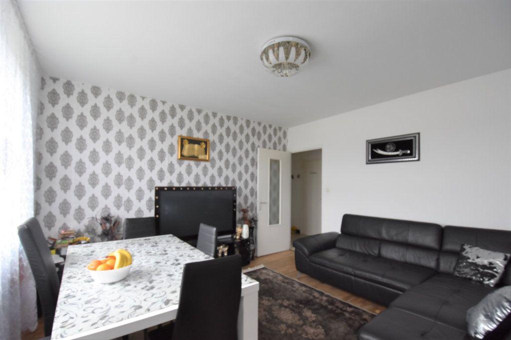 Appartement à vendre 4 67m2 à Mâcon vignette-1
