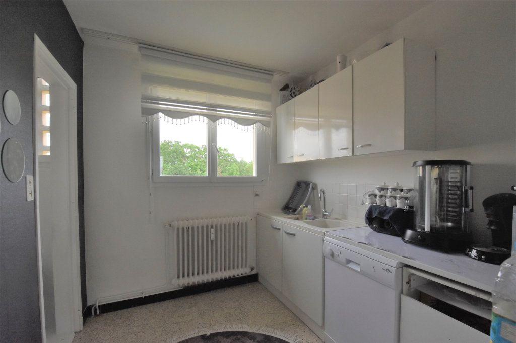 Appartement à vendre 4 67m2 à Mâcon vignette-3