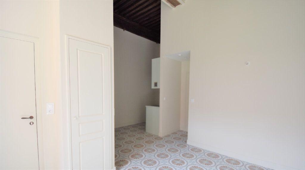Appartement à louer 1 26.07m2 à Mâcon vignette-2
