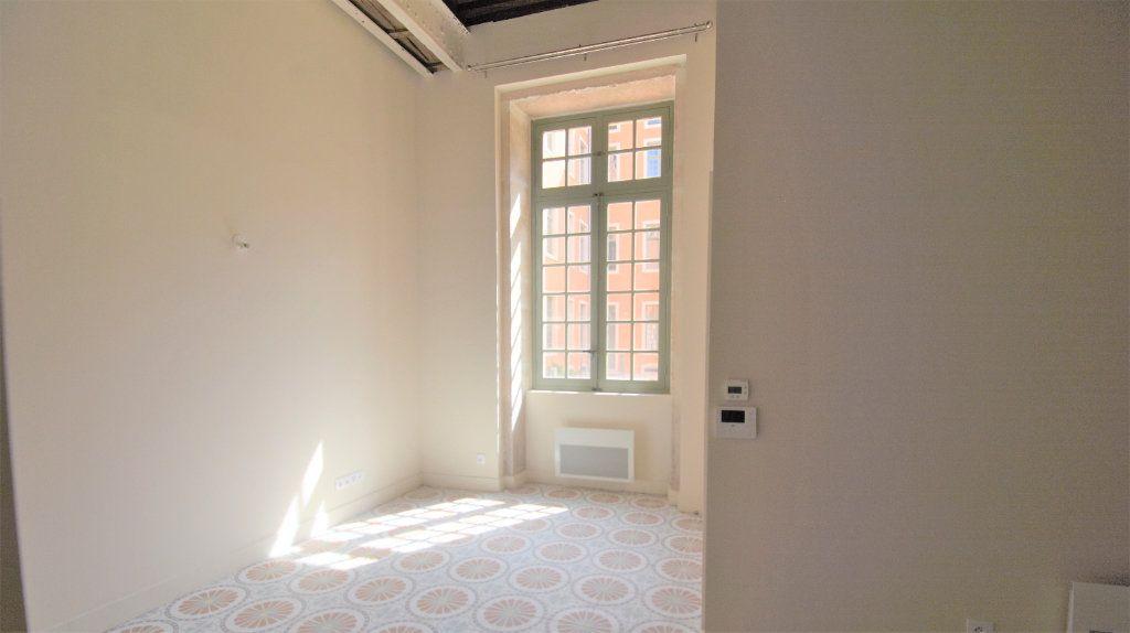 Appartement à louer 1 26.07m2 à Mâcon vignette-3