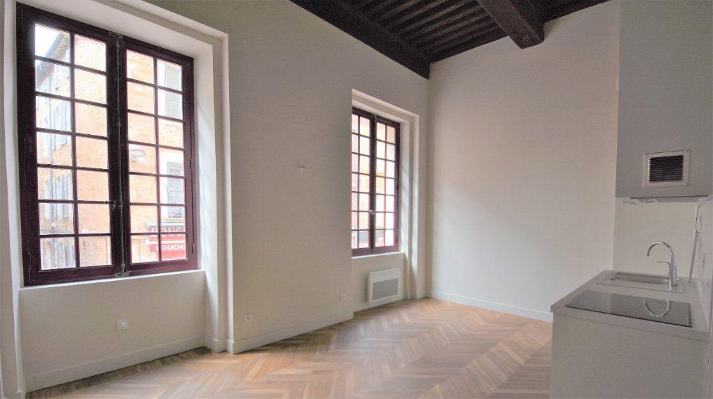 Appartement à louer 3 69.71m2 à Mâcon vignette-1