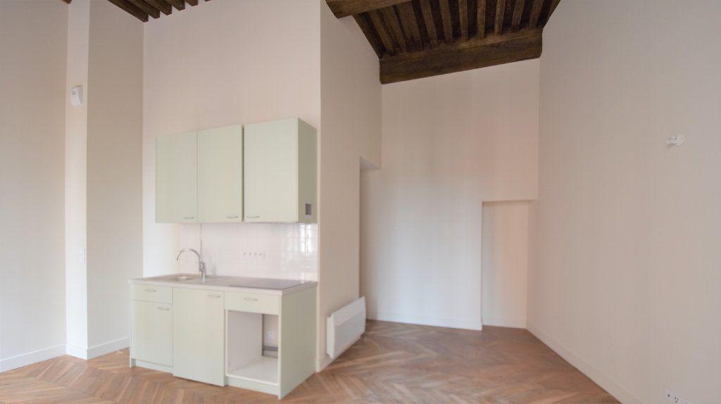 Appartement à louer 3 69.71m2 à Mâcon vignette-3