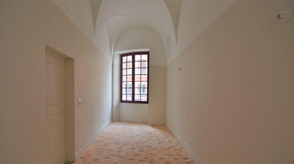 Appartement à louer 3 69.71m2 à Mâcon vignette-5