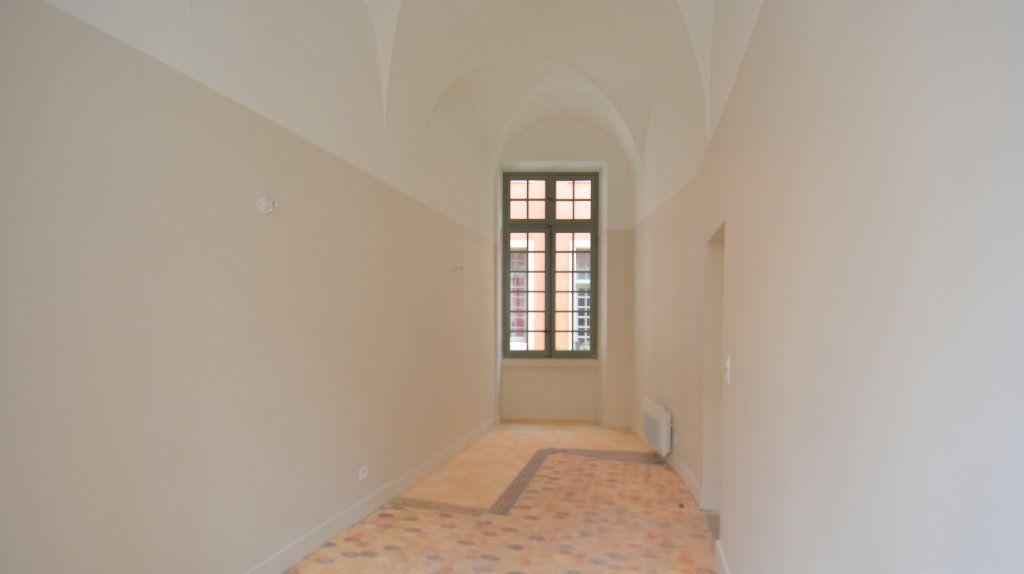 Appartement à louer 3 69.71m2 à Mâcon vignette-6