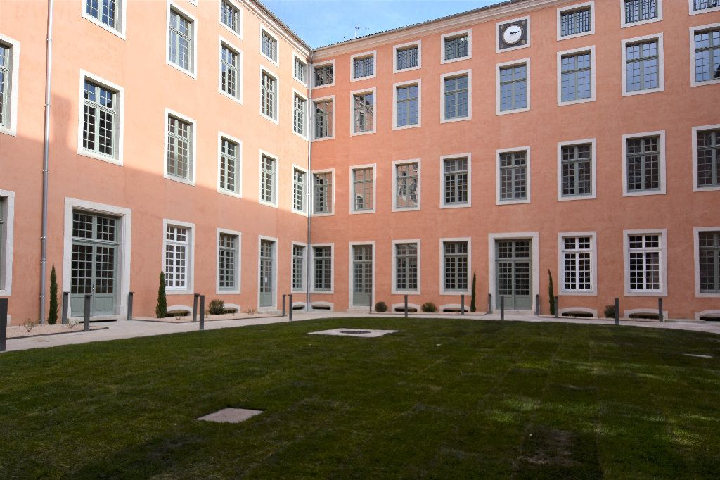 Appartement à louer 3 69.71m2 à Mâcon vignette-8
