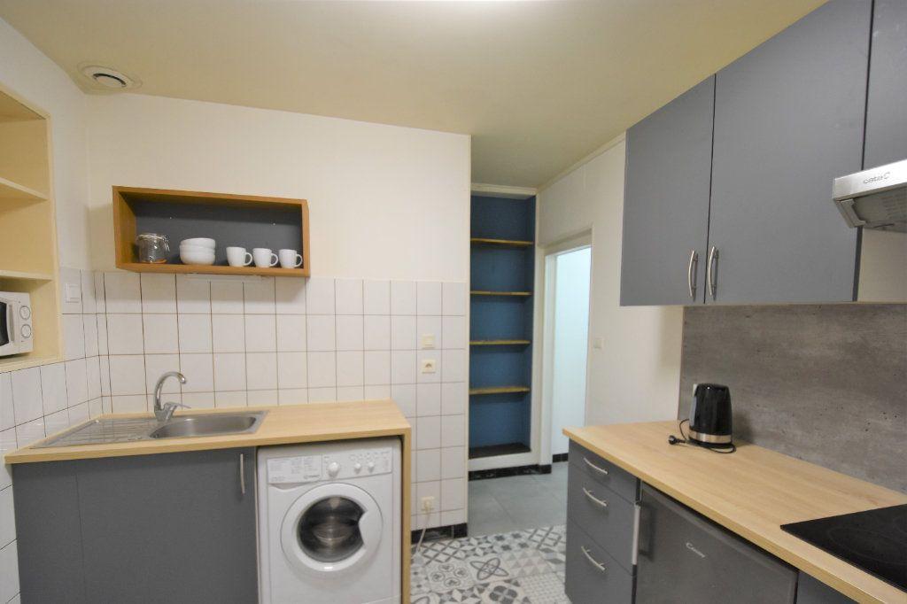 Appartement à louer 1 23.64m2 à Mâcon vignette-2