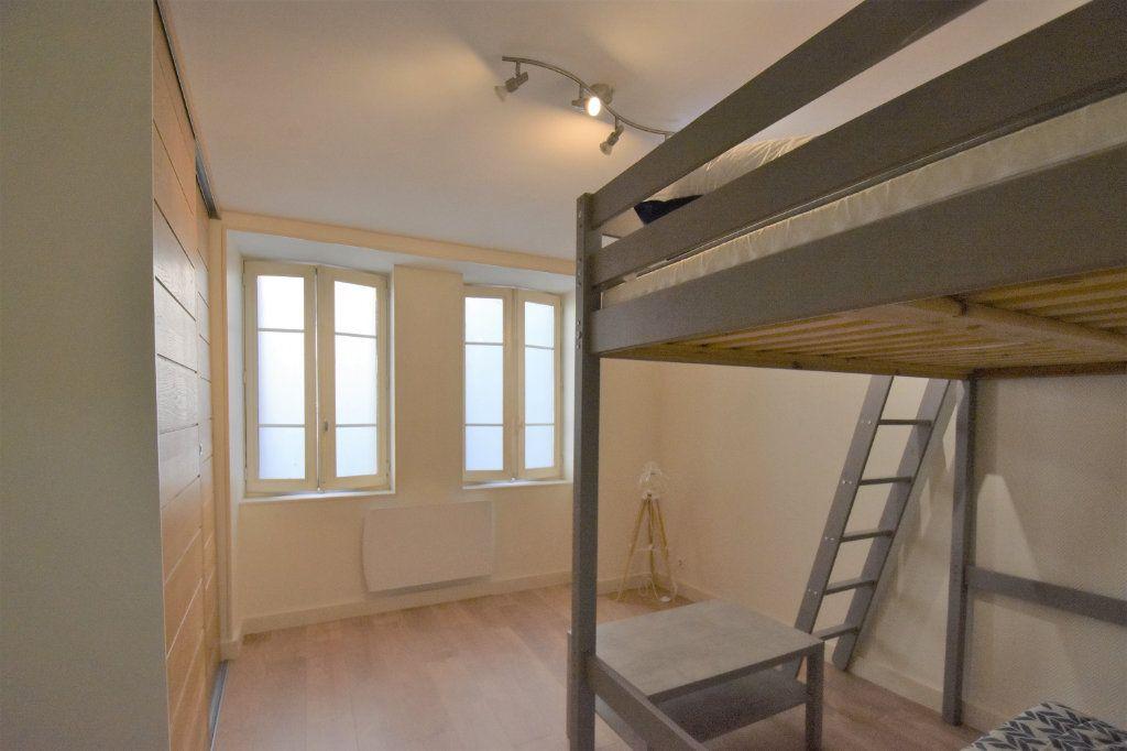Appartement à louer 1 23.64m2 à Mâcon vignette-4