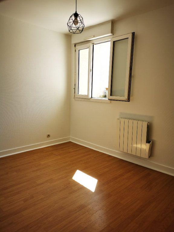 Appartement à louer 2 49.34m2 à La Ville-du-Bois vignette-3
