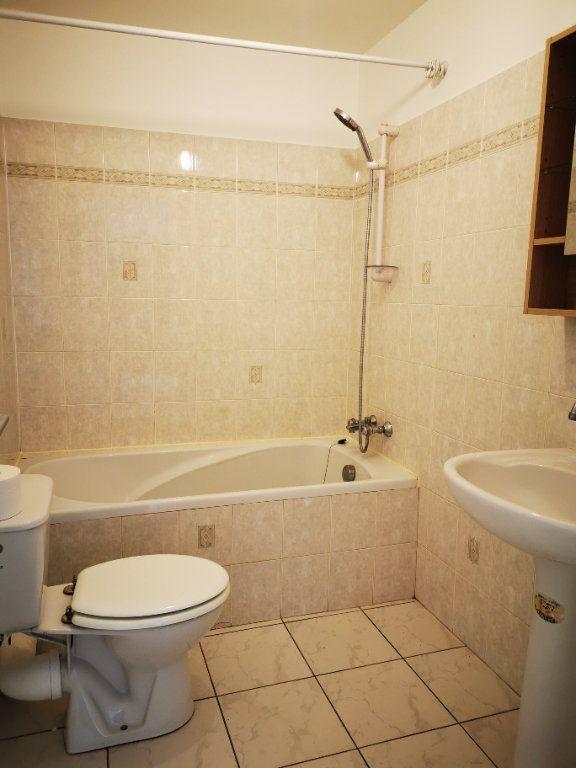Appartement à louer 2 49.34m2 à La Ville-du-Bois vignette-5