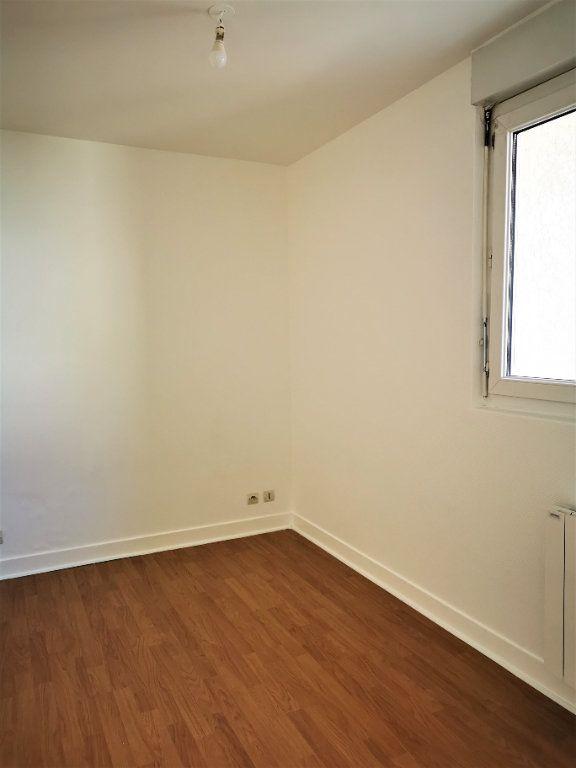 Appartement à louer 2 49.34m2 à La Ville-du-Bois vignette-6