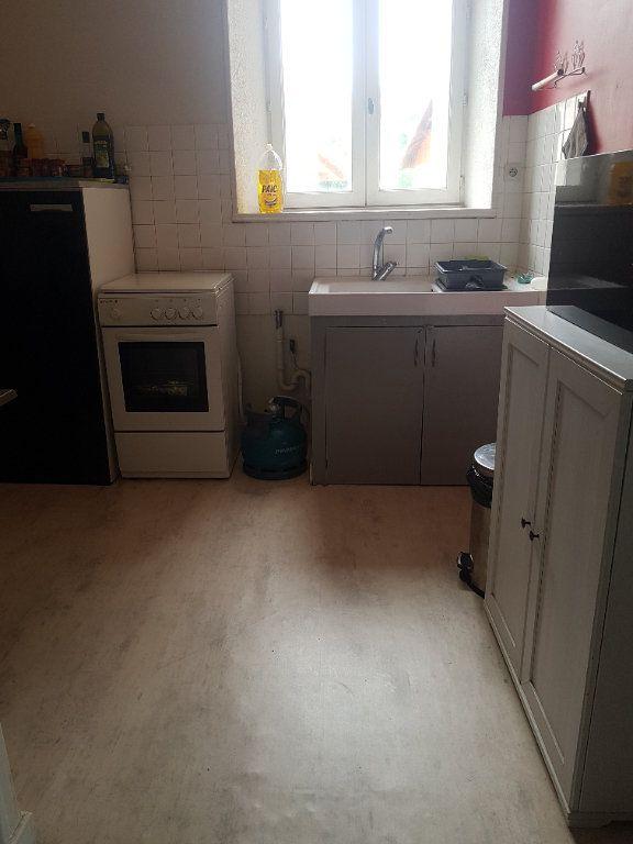 Appartement à louer 2 48m2 à Hauteville-Lompnes vignette-1