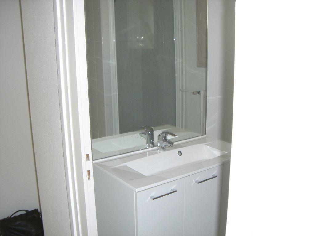 Appartement à louer 3 73.48m2 à Bourg-en-Bresse vignette-3