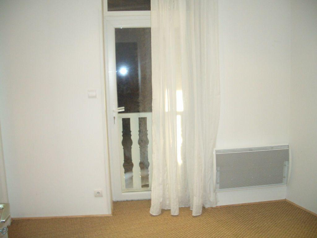 Appartement à louer 2 35m2 à Bourg-en-Bresse vignette-1