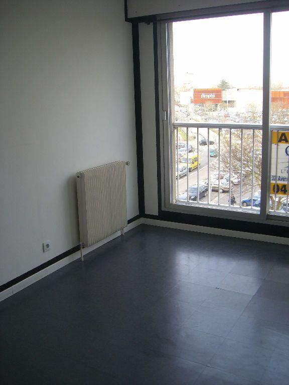 Appartement à louer 2 48.46m2 à Bourg-en-Bresse vignette-1