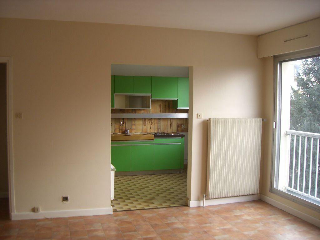 Appartement à louer 2 48.46m2 à Bourg-en-Bresse vignette-2