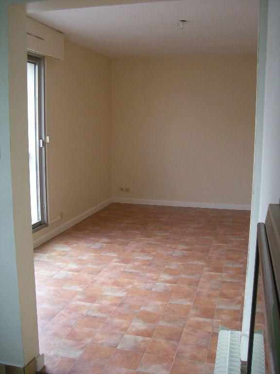Appartement à louer 2 48.46m2 à Bourg-en-Bresse vignette-4