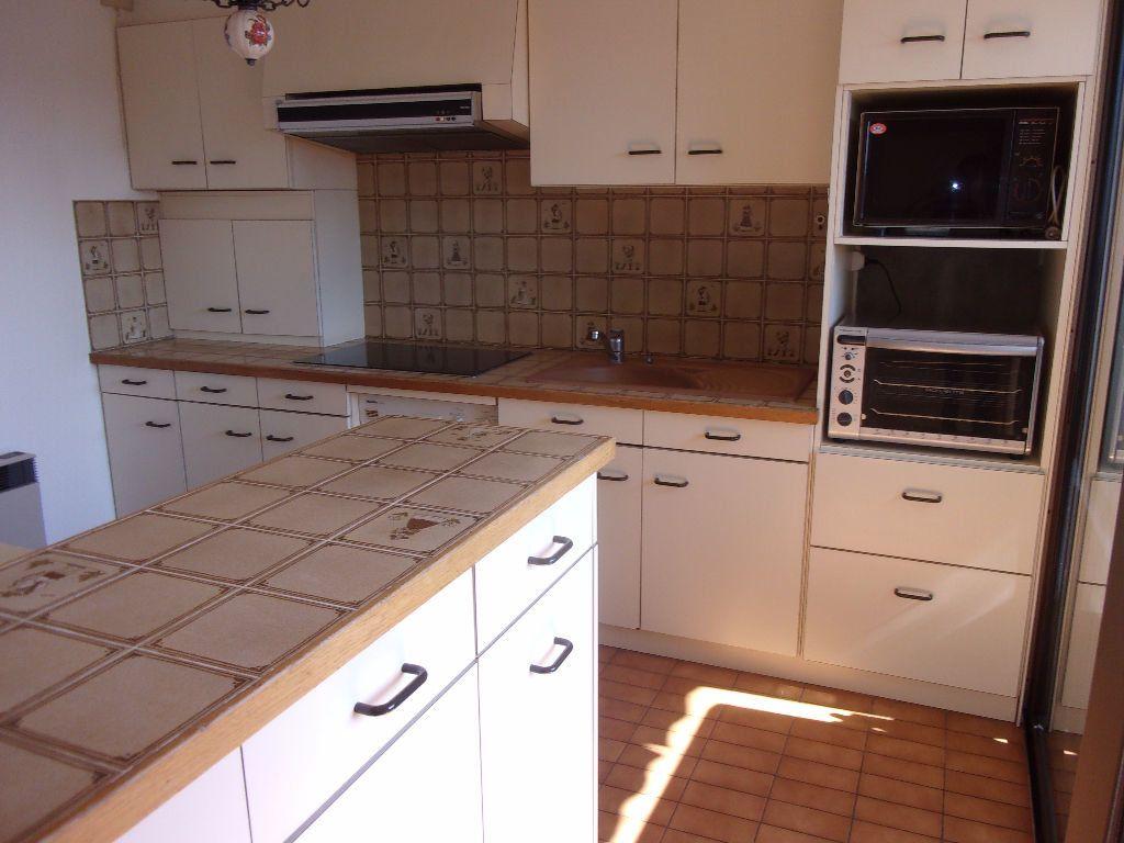 Appartement à louer 5 128.6m2 à Bourg-en-Bresse vignette-5