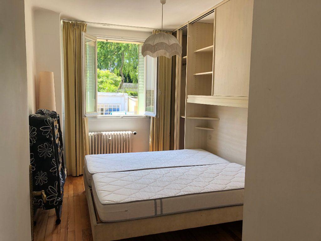 Appartement à louer 4 69.4m2 à Bourg-en-Bresse vignette-7