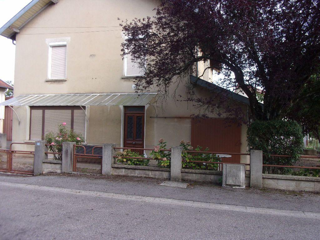 Maison à louer 5 152.41m2 à Péronnas vignette-1