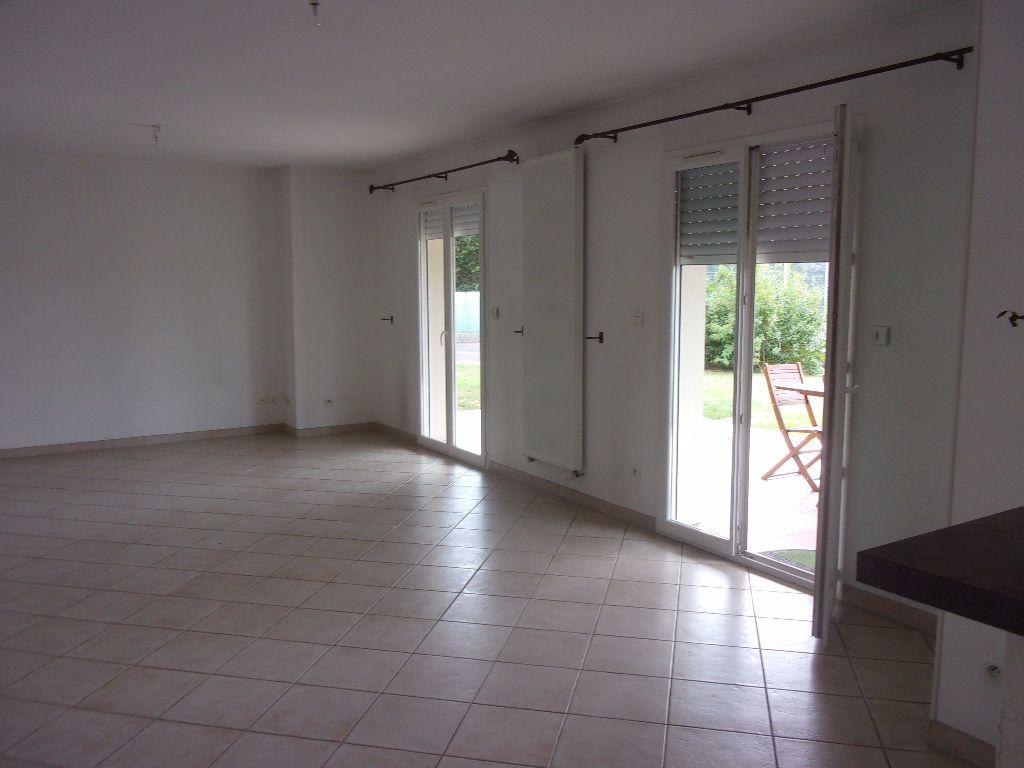 Maison à louer 5 129.7m2 à Viriat vignette-4