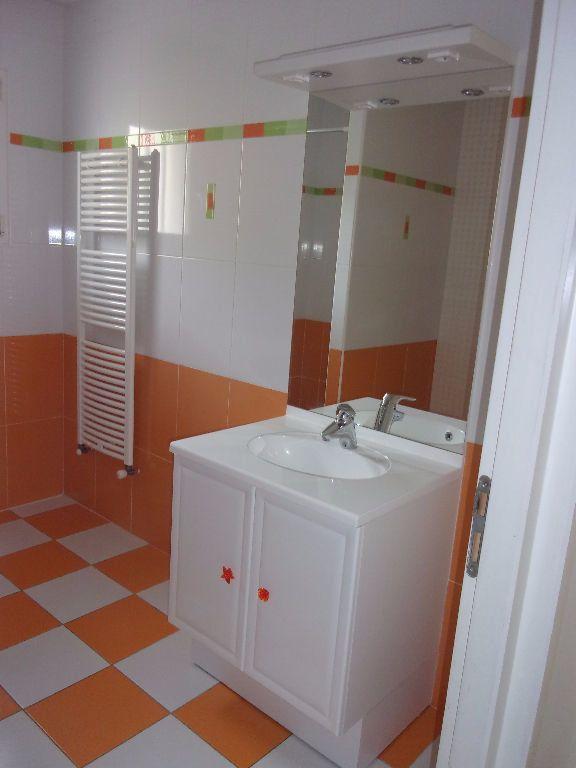 Maison à louer 5 129.7m2 à Viriat vignette-5