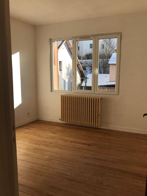 Appartement à louer 3 60.32m2 à Hauteville-Lompnes vignette-5