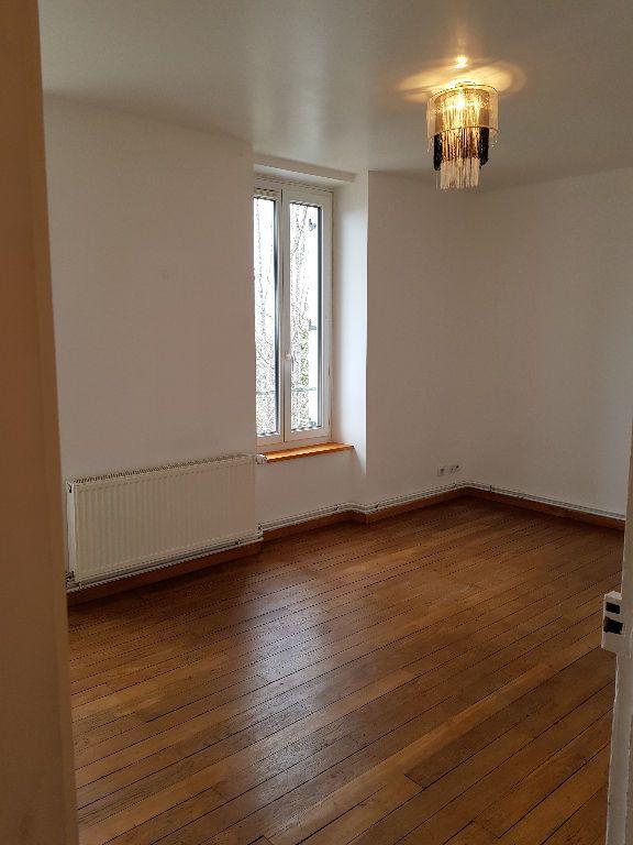 Appartement à louer 2 40m2 à Hauteville-Lompnes vignette-4