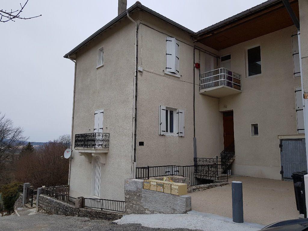 Appartement à louer 2 40m2 à Hauteville-Lompnes vignette-8
