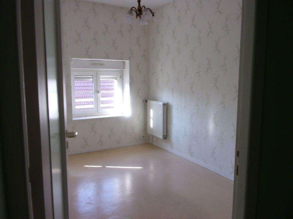 Appartement à louer 1 34.2m2 à Oyonnax vignette-2