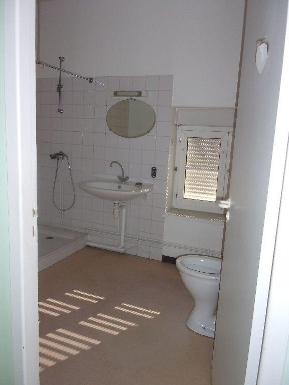 Appartement à louer 1 34.2m2 à Oyonnax vignette-3