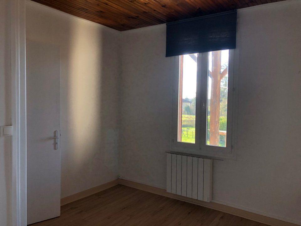 Appartement à louer 3 82.18m2 à Attignat vignette-4