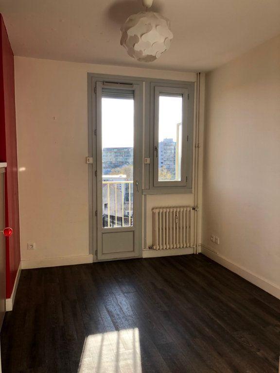 Appartement à louer 3 53m2 à Bourg-en-Bresse vignette-4